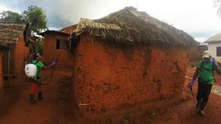 Kijiji kilichoathirika na ugonjwa wa malaria nchini Tanzania kikitibiwa na Vetrax