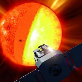 Ilustração da sonda SoHo em frente ao Sol