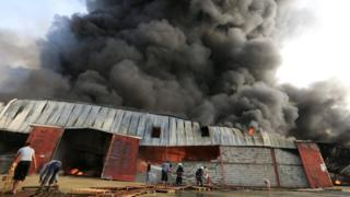 Fire at warehouses in Hudaydah, Yemen - 31 March