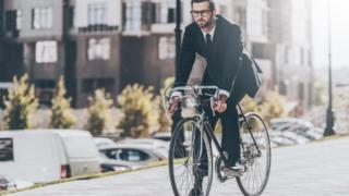 на велосипеде по городу