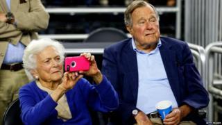 Former President George HW Bush and his wife Barbara Bush