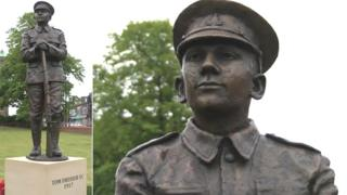 Pte Tom Dresser statue