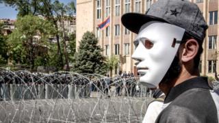 Демонстрант в Армении