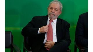 Lula, au pouvoir entre 2003 et 2010, a été reconnu coupable de corruption passive et de blanchiment d'argent.