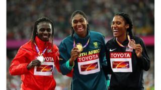 De gauche à droite : Francine Niyonsaba du Burundi, Caster Semenya d'Afrique du Sud et Ajee Wilson des Etats-Unis