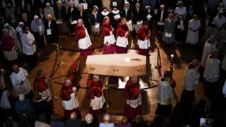 Cardinal Cormac Murphy-O'Connor lying in state at Westminster Cathedral