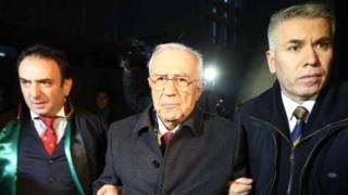 Eski Genelkurmay Başkanı İsmail Hakkı Karadayı, 2013'te gözaltına alınmış ve sonra tutuksuz yargılanmak üzere serbest bırakılmıştı