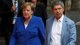 जर्मनी की चांसलर एंगेला मर्केल और उनके पति प्रोफेसर योआखिम जाउअर