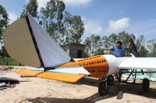 Paen Long uçağıyla