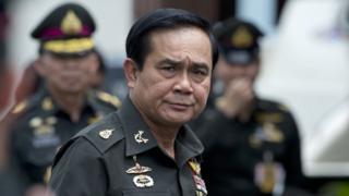 พล.อ.ประยุทธ์ จันทร์โอชา นายกรัฐมนตรี เมื่อเดือน ส.ค.2557 สามเดือนหลังการรัฐประหารที่ค่ายทหารเสือราชินี จ.ชลบุรี