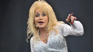 Dolly Parton at Glastonbury in 2014