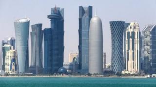 Катардын расмийлери терроризмди колдойт деген айыптоолорду четке кагып, алардын үстүнөнөн каралоо өнөктүгү жүрүп жатканын билдирген.