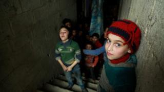 أطفال سوريا الذين نشأوا خلال الحرب يعانون الإصابات ومن سوء التغذية والصدمات النفسية بحسب تقرير يونيسف