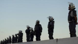 Maafisa wa polisi wakilinda mahakama kuu ya kikatiba, mahali kesi dhidi ya Rais wa Brazil Michel Temer' inasikizwa