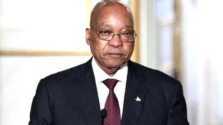La justice du pays a été saisi par le principal parti d'opposition, l'Alliance démocratique (DA) à la suite du limogeage de M. Gordhan.