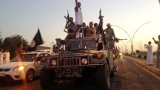 IS fighters in Mosul in 2014