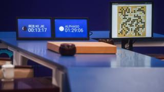 """在本次""""人机大战""""三番棋决战中,柯洁以0比3的总比分不敌""""阿尔法围棋""""。"""