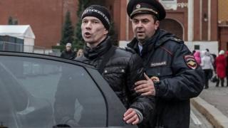 دادین و پلیس روسیه
