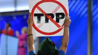 An anti-TPP protestor