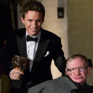 Edie Redmayne ve Stephen Hawking