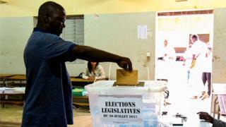 Des législatives considérées par des analystes comme un test, à deux ans de la présidentielle.