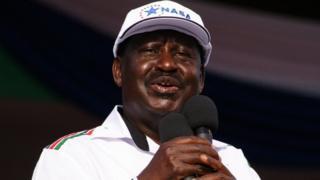 Raila Amolo Odinga (kw'ifoto) azohangana mu matora yo ku itariki 8, ukwezi kw'umunani na Prezida wa Kenya wubu, Uhuru Kenyatta
