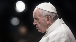 """Le pape exprime """"la honte"""" du sang innocent versé quotidiennement."""