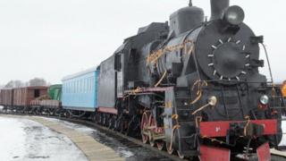Потяг на території меморіалу пам'яті Героїв Крут