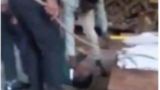 Les autorités ont ordonné une enquête immédiate à propos d'une vidéo qui montre un groupe d'enseignants qui brutalise l'élève.