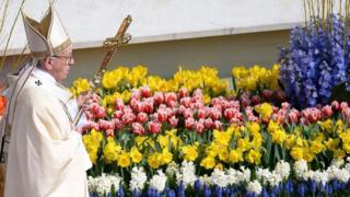 Папа проводить богослужіння у Ватикані
