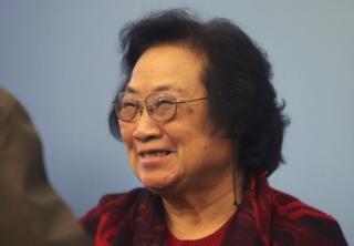 Pharmacologist Tu Youyou attends a award ceremony in Beijing, November 15, 2011. William Campbell, Satoshi Omura and Tu jointly won the 2015 Nobel prize for medicine or physiology for their work against parasitic diseases, the award-giving body said on 5 October 2015.