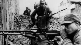 中國抗日戰爭中的國民黨士兵。共產黨和國民黨對於中國抗日戰爭的歷史描述長期存在爭議。