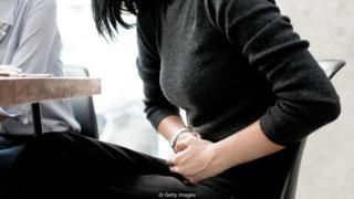 मासिक पाळीच्या काळात महिलांना खूप त्रास सहन करावा लागतो.