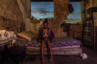 Кристина с детьми уже пять лет живет в заброшенном доме
