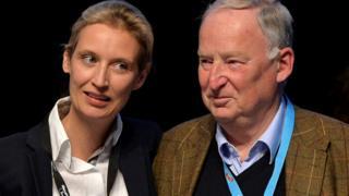Alice Weidel (kiri) and Alexander Gauland (kanan) akan memimpin AfD dalam pemilu Jerman September mendatang.