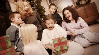 Радость от рождественских подарков не всегда длится не то что год, но даже неделю
