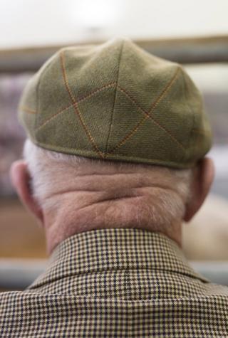 старик в кепке