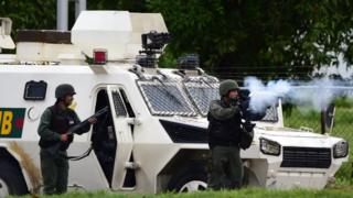Anti-government activists and the National Guard clash in Venezuela's third city, Valencia, on August 6, 2017