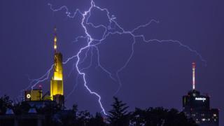 Lightning over Frankfurt, 7 June