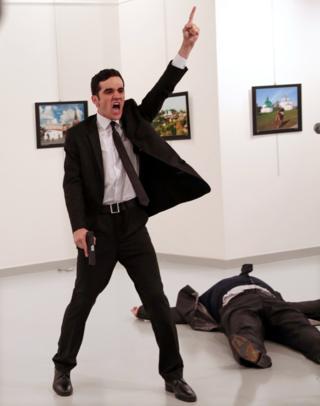 Mevlut Mert Altıntaş'ın Rus Büyükelçi'yi vurduktan sonraki bağırma anı.
