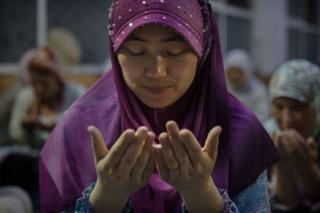Woman imam in Sangpo
