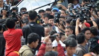 Wartawan meliput kegiatan Prabowo Subianto, Bojong Koneng, 9 Juli 2014.