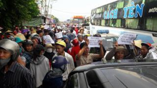 Người dân tuần hành