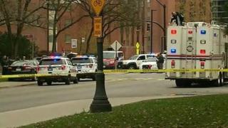 у здания университета огайо, полиция