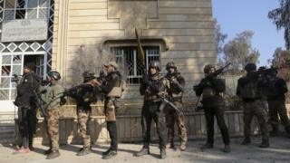 Abasirikare ba Irake bateye intambwe mu kwirukana Islamic State mu muji wa Mosul