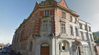 Former grade-II listed post office buildings in Bangor, Gwynedd