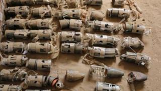 بعض القنابل العنقودية التي عثر عليها في اليمن