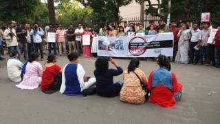 দুই বিশ্ববিদ্যালয় ছাত্রীর ধর্ষণের প্রতিবাদে শাহবাগে প্রতিবাদ সমাবেশ