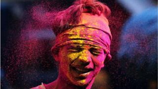 """Індуїстський фестиваль Холі чи """"Фестиваль королів"""" символізує початок весни."""