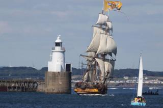 Tall Ship leaving Blyth